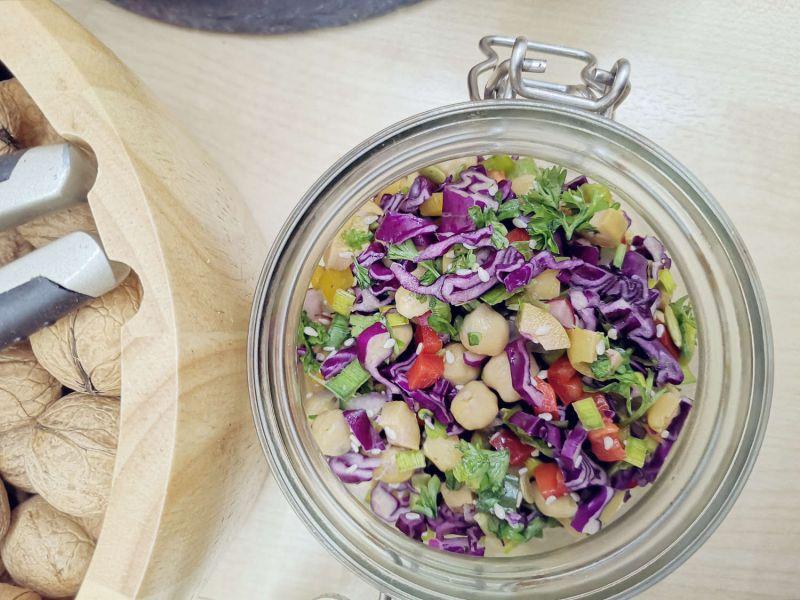 Sveikos salotos - kaip paversti SALOTAS sočiu patiekalu