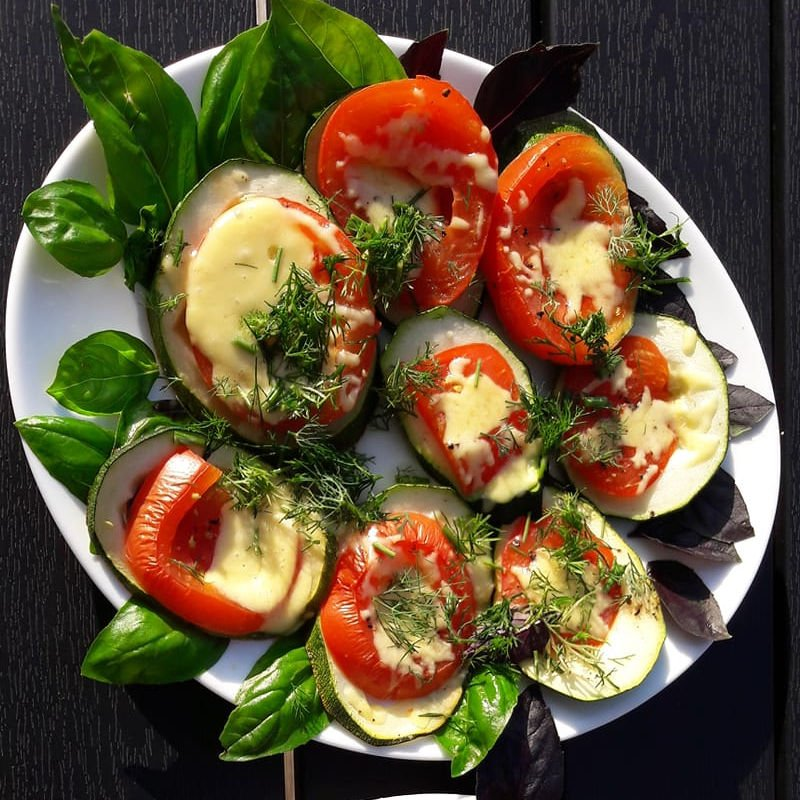 Kepta cukinija su pomidorais