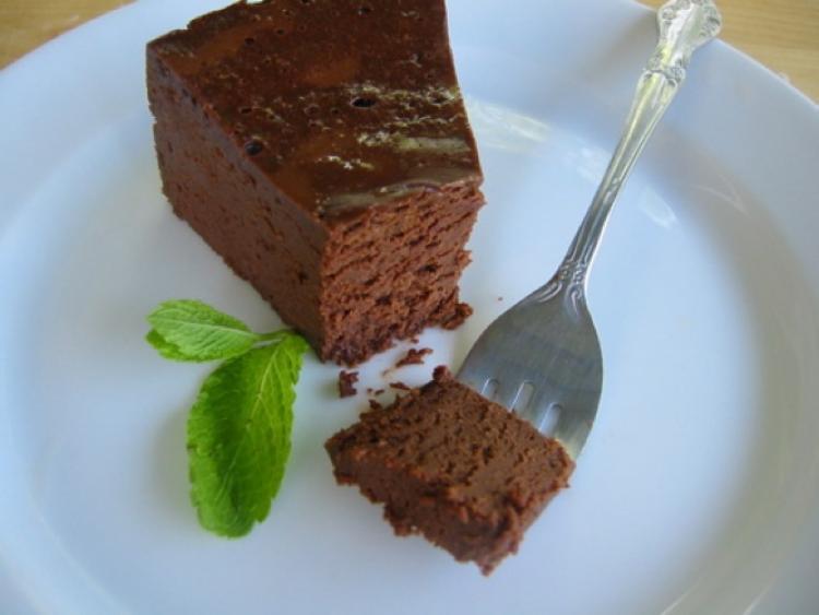 Nekeptas šokoladinis tortas be miltų