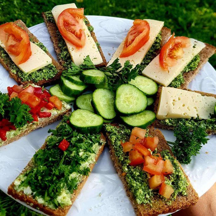 Savaitgalio sumuštiniai su bemiele duona