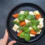 Keptas tofu sūris su pesto padažu