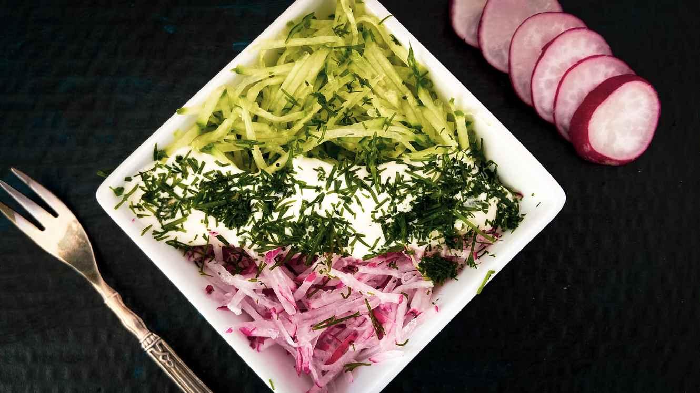 Ridikėlių salotos su agurkais ir krapais