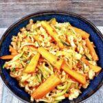 Sorų ir raudonų lęšių troškinys su cukinijų makaronais - receptas