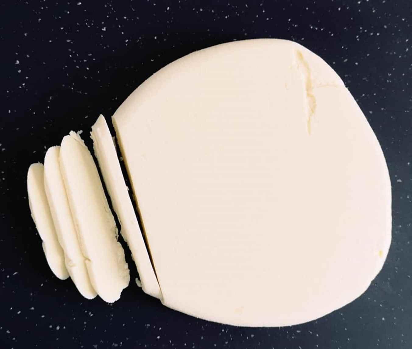 Lengvai padaromas naminis varškės sūris iš pieno ir citrinos sulčių
