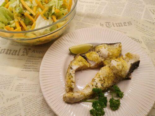 Garinta žuvis: amūras su moliūgo ir saliero salotomis