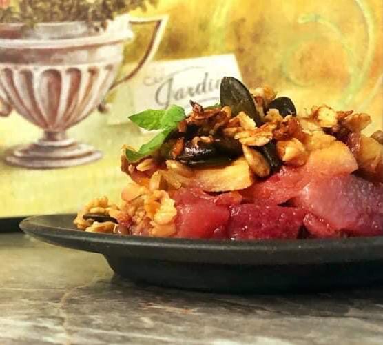 keptu-obuoliu-desertas-su-namine-granola